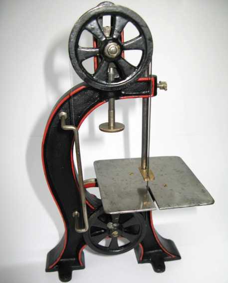 marklin steam toy drive model bandsaw tin casting