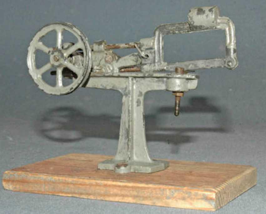 plank ernst 1005/2 dampfspielzeug antriebsmodell kaltsage metallsage
