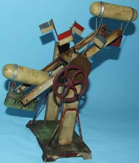 Antriebsmodell Zeppelin mit zwei Figuren in jeder Gondel