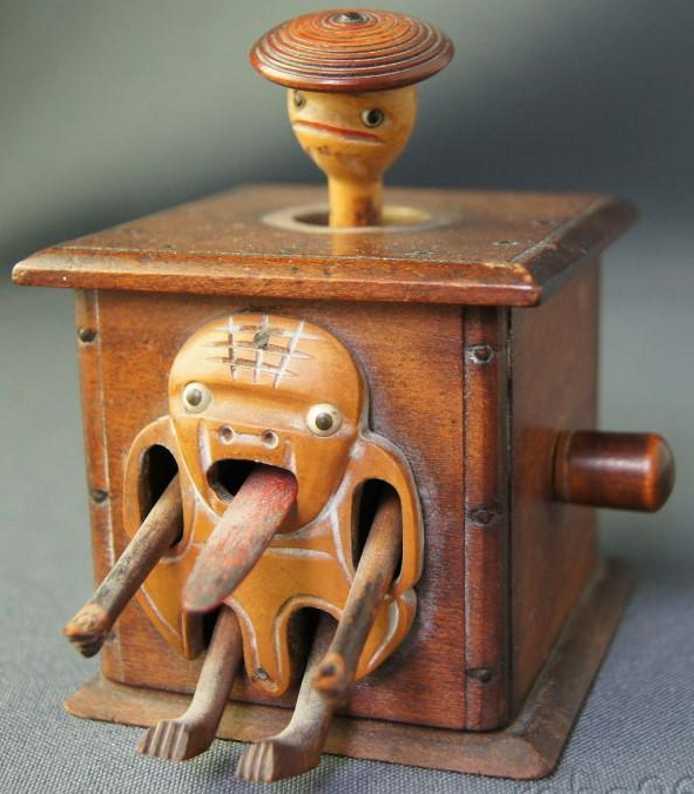 Kobe Toy Automat Holz Figur