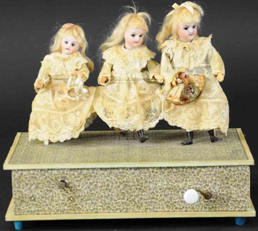 automat spieluhr drei maedchen handkurbel