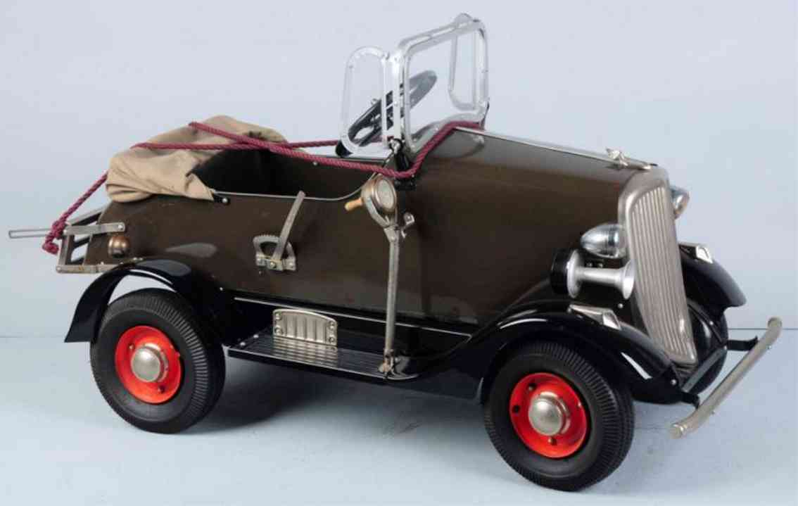 american national co toy pressed steel buick pedal car