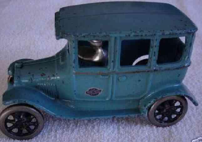 Arcade 103 Oldtimer Ford Tudor Auto in blau mit Fahrer