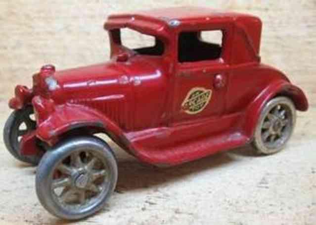 arcade 116 spielzeug gusseisen auto coupe in rot mit notsitz