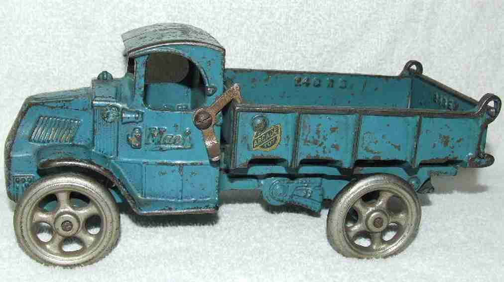 arcade 140 cast iron toy mack dump truck blue