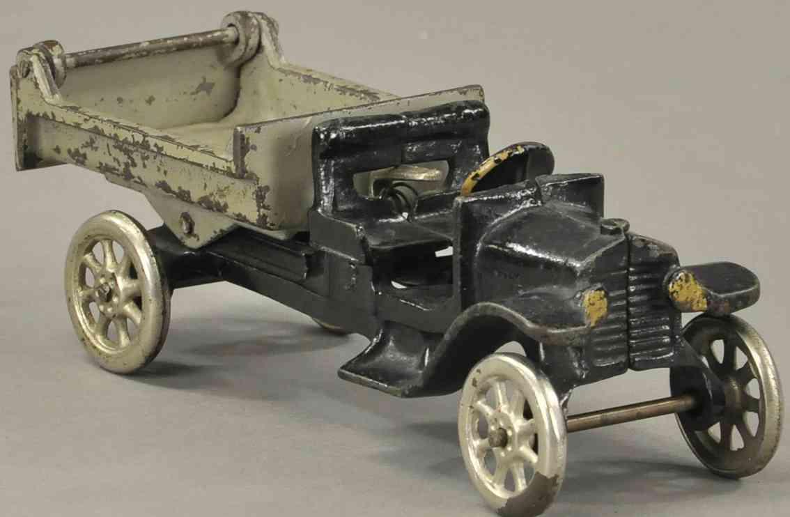 arcade 204 cast iron toy anthony dump truck black gray