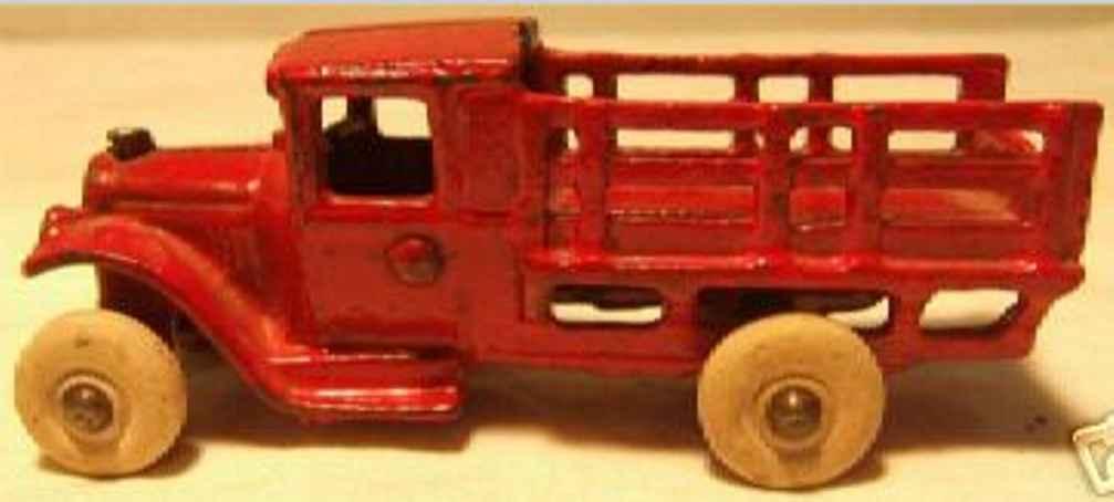 Arcade 213 218 Spielzeug Lastwagen aus Gusseisen in rot
