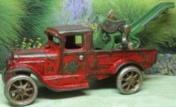 arcade 217 spielzeug gusseisen abschleppwagen  rot