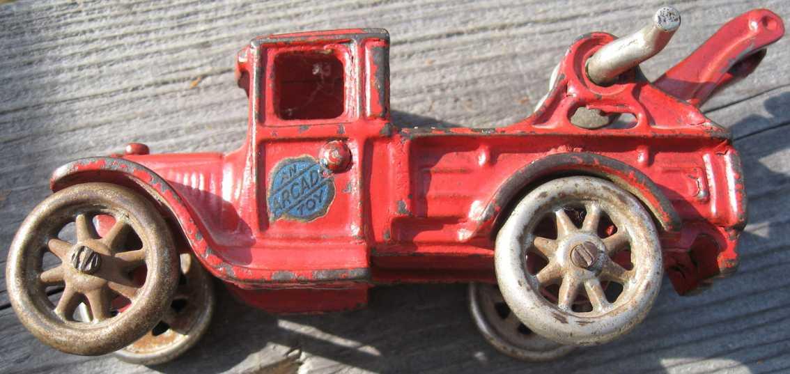 arcade 221 spielzeug gusseisen abschleppwagen rot