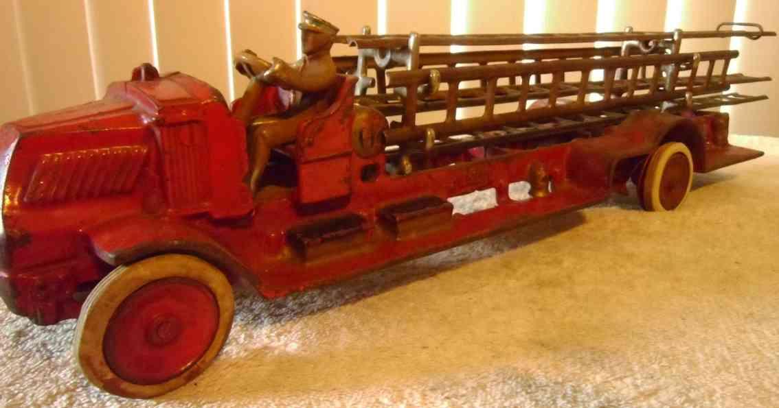 arcade 242 spielzeug gusseisen mack feuerwehrleiterwagen