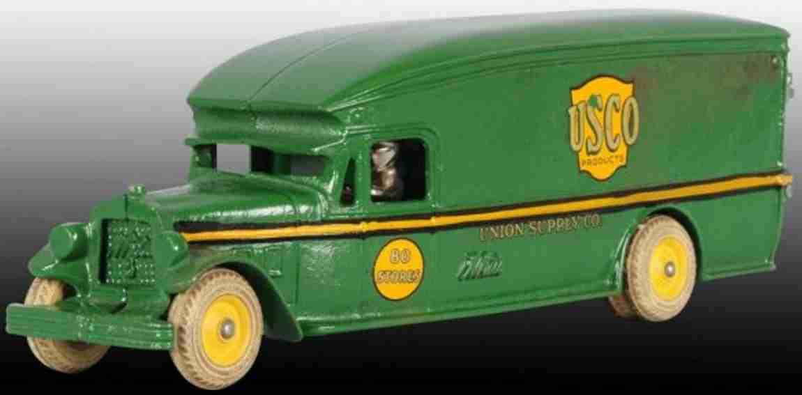 Arcade 251 Lieferwagen in grün