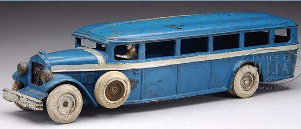Arcade 6cast iron White bus with side mount in blue