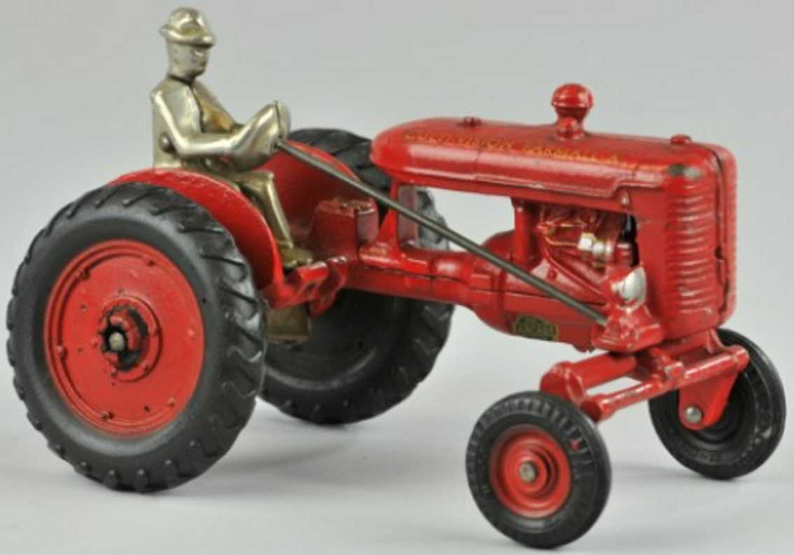 arcade 7050 cast iron toy farmall a cultivision tractor