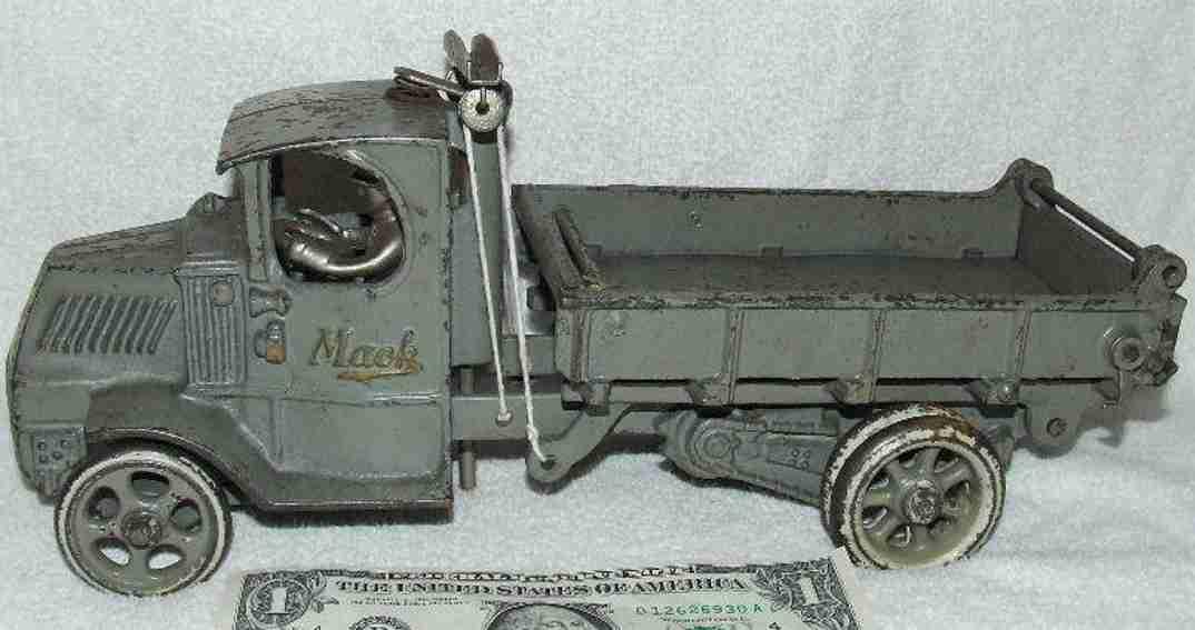 arcade 139 spielzeug gusseisen mack kipplastwagen