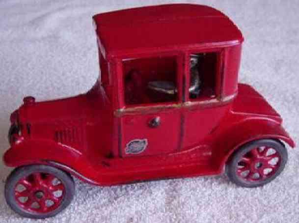 arcade gusseisen auto ford modell-t-coupe rot fahrer