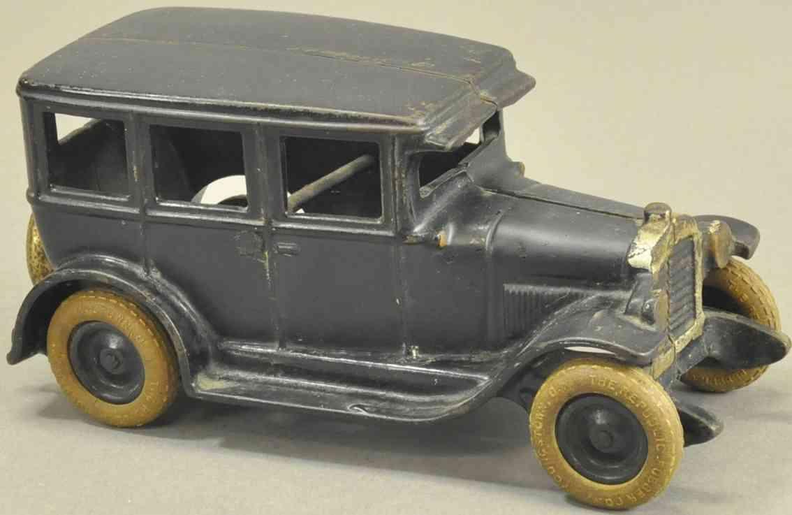 arcade spielzeug gusseisen auto chevrolet limousine grau