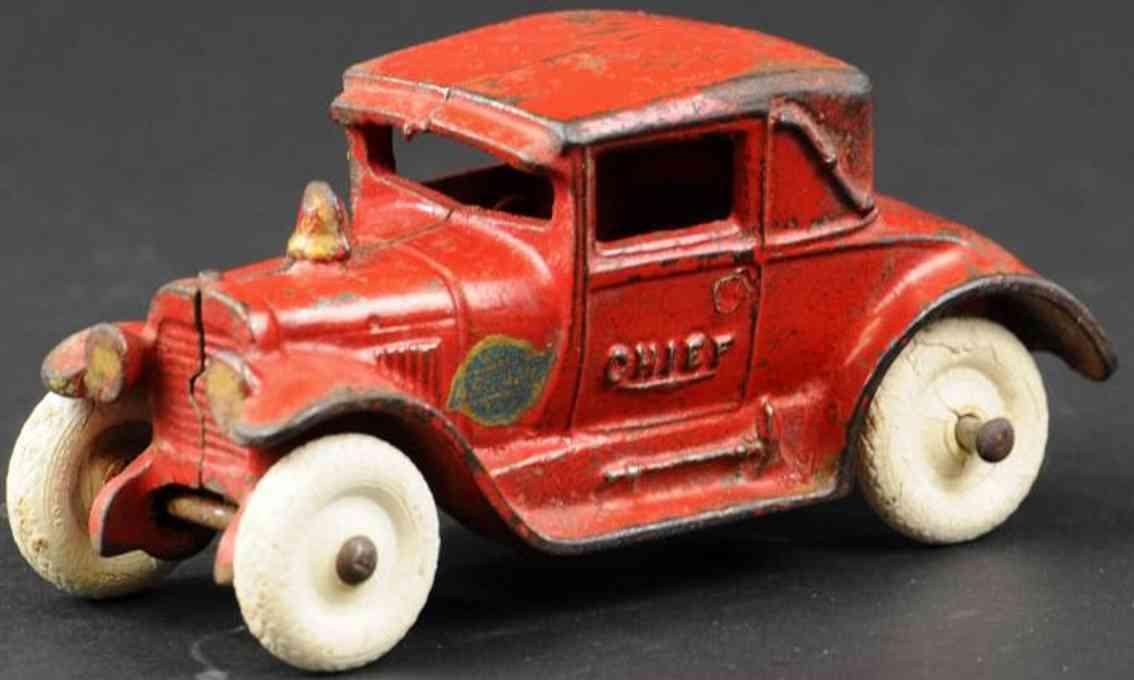 arcade spielzeug gusseisen auto wagen feuerwehrchef rot