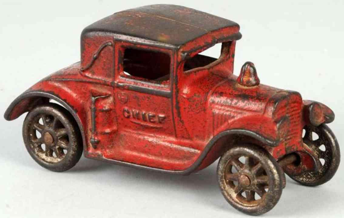 arcade cast iron toy fire chief car