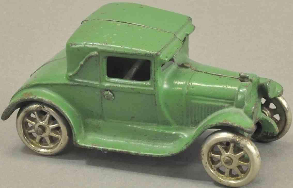 arcade spielzeug gusseisen auto coupe gruen