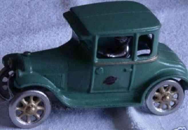 arcade cast iron toy car intermediate coupe