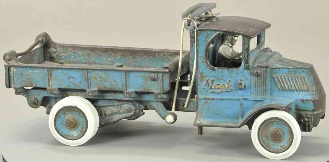 arcade gusseisen kipplastwagen mack fahrerhaus t balken blau