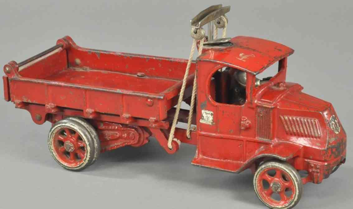 arcade spielzeug gusseisen mack t-balken kipplastwagen rot