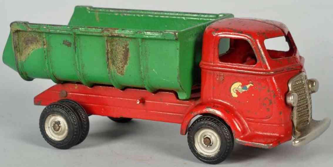 arcade cast iron toy international dump truck toy red green