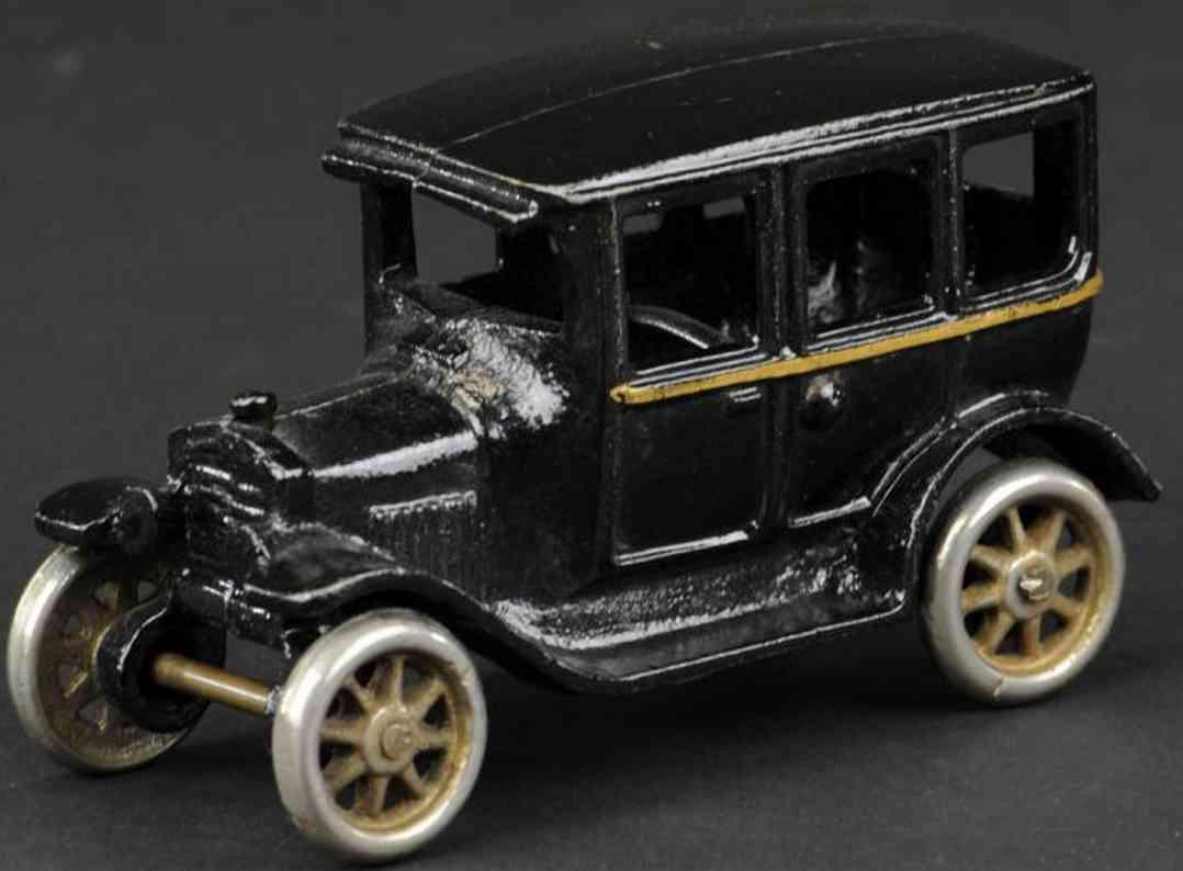 arcade  spielzeug gusseisen ford viertueriges auto schwarz