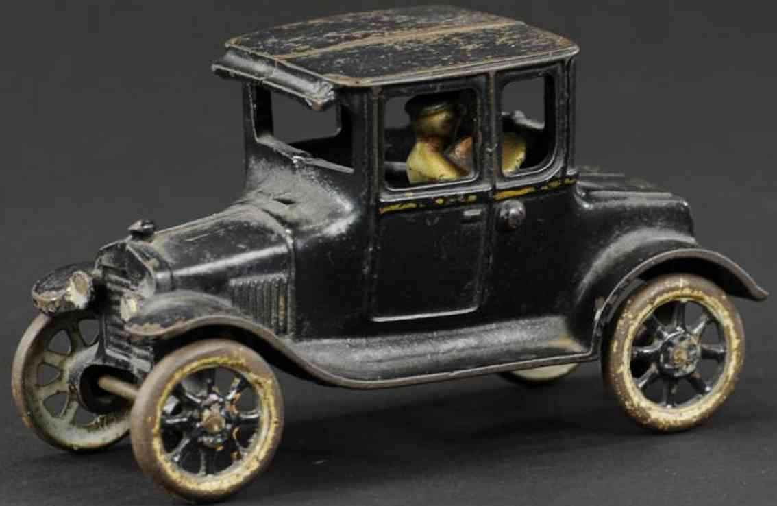 arcade gusseisen auto ford modell t coupe schwarz fahrer