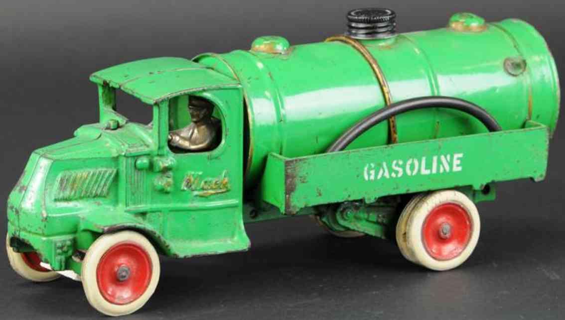 arcade spielzeug gusseisen benzinlastwagen gruen