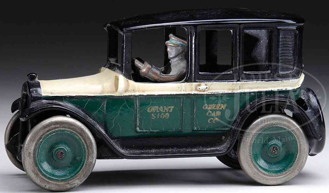 Arcade Oldtimer Grünes Taxi mit Aufschrift  Green Cab Company