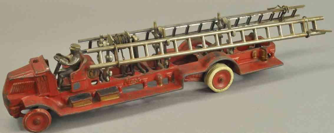arcade spielzeug gusseisen mack feuerwehrleiterwagen rot