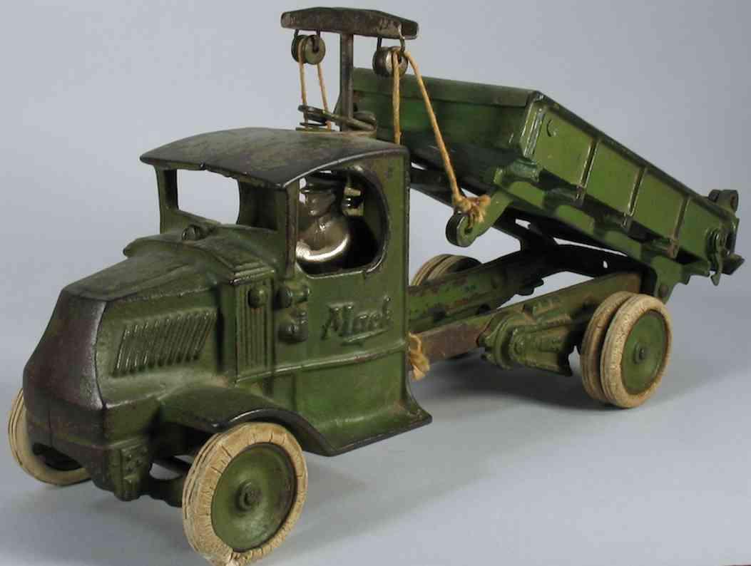arcade cast iron toy mack dump truck t-bar toy  green