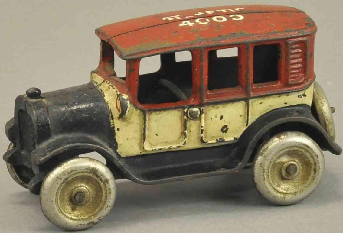 arcade spielzeug gusseisen auto taxi atlantic 4000
