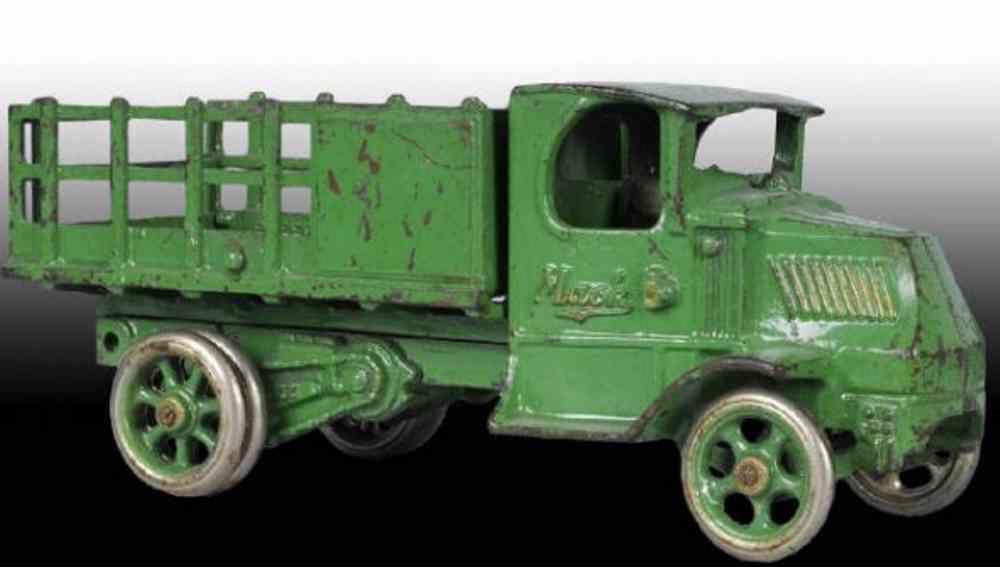 arcade gusseisen mack rungen-lastwagen gruen fahrer
