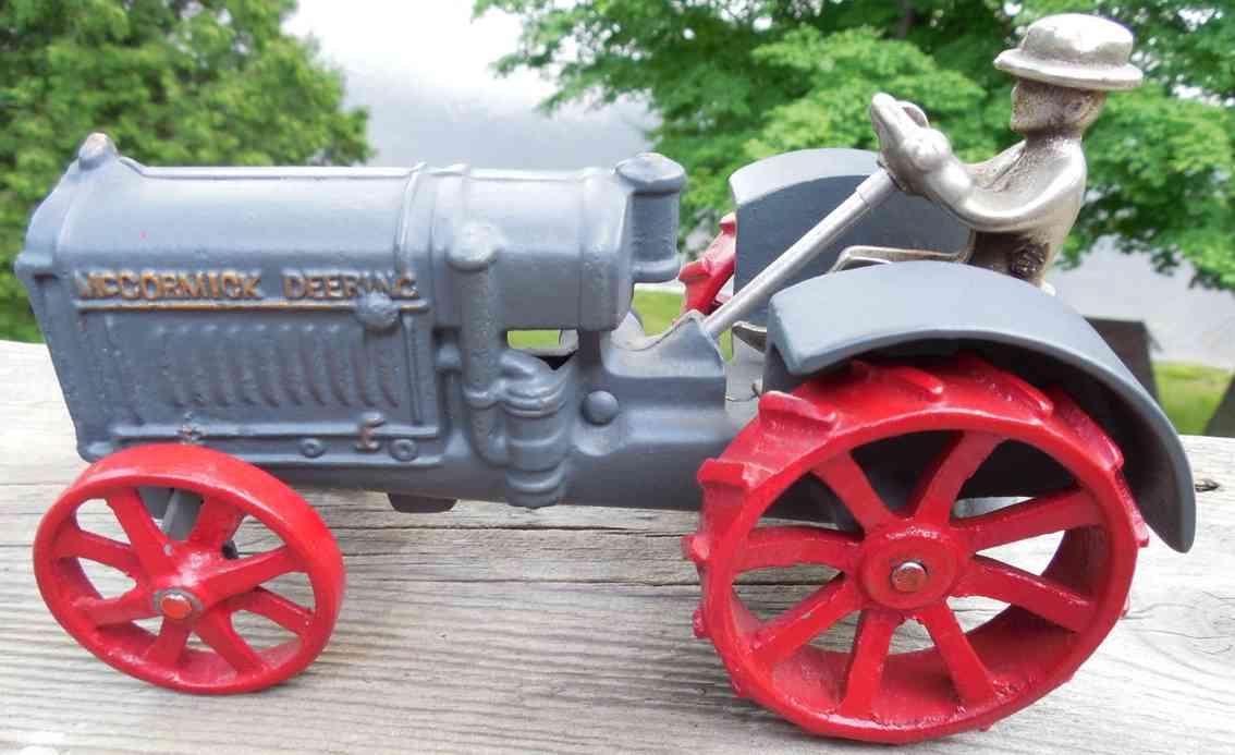 arcade spielzeug gusseisen gusseiserner traktor