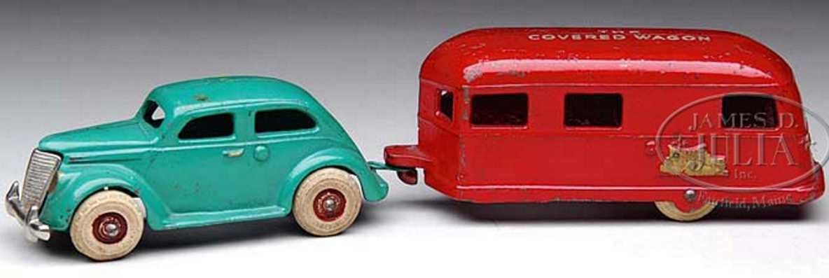 arcade spielzeug gusseisen auto gruen anhaenger rot