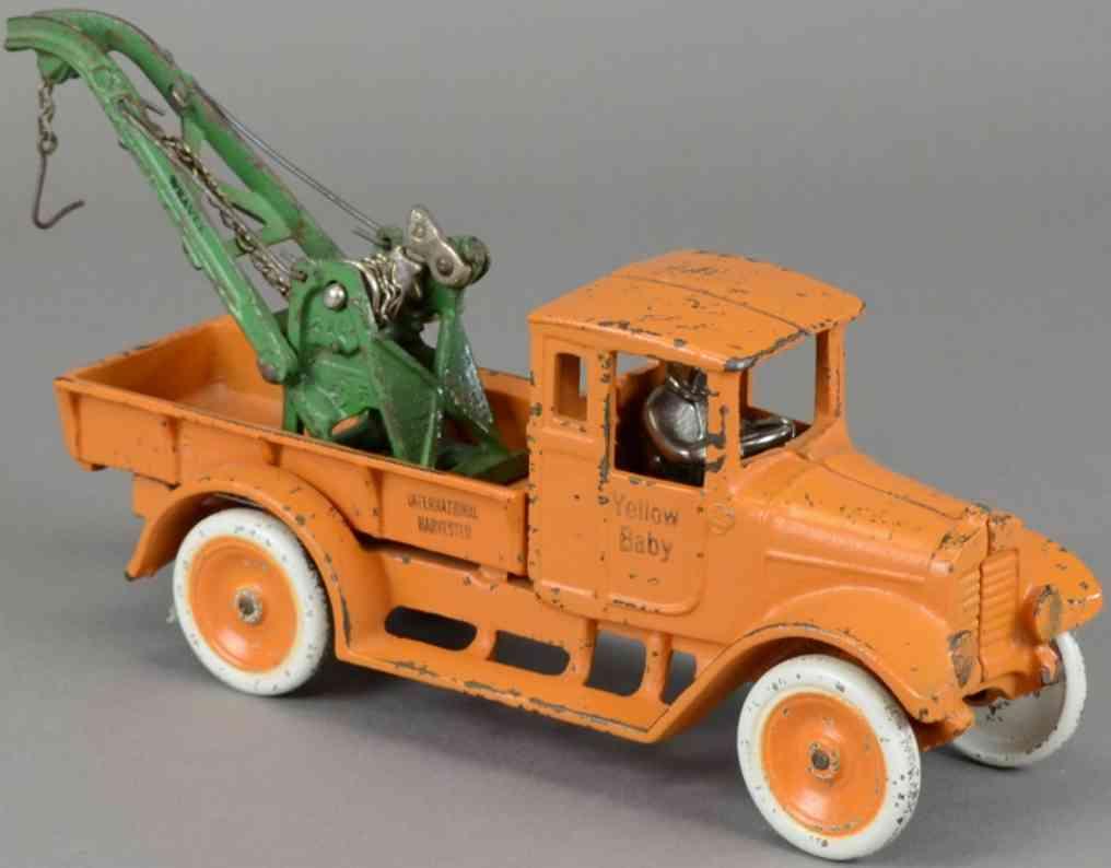 arcade spielzeug gusseisen  baby abschleppwagen orange international harvester