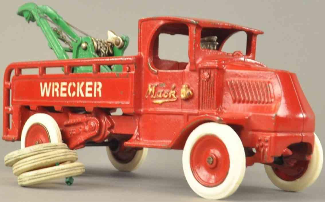 arcade cast iron mack wrecker red green crane