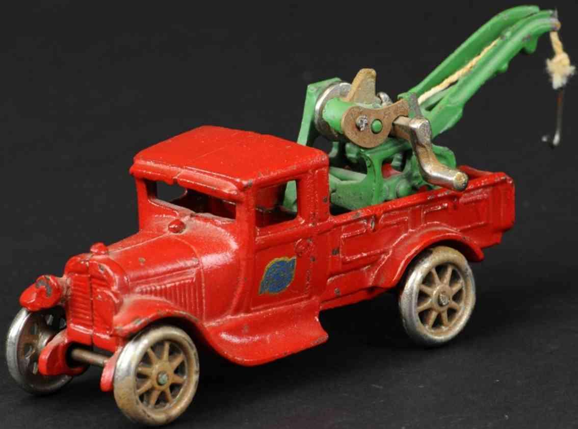 arcade spielzeug gusseisen ford abschleppwagen rot gruener kran