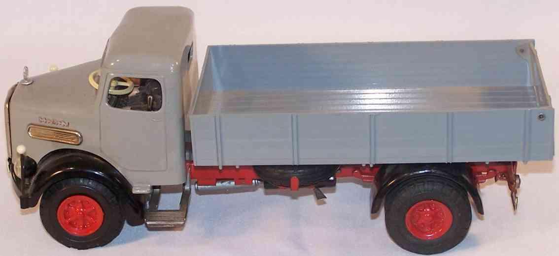 Arnold 3500 MAN Diesel Lastwagen in grau und schwarz mit Kippfunktion