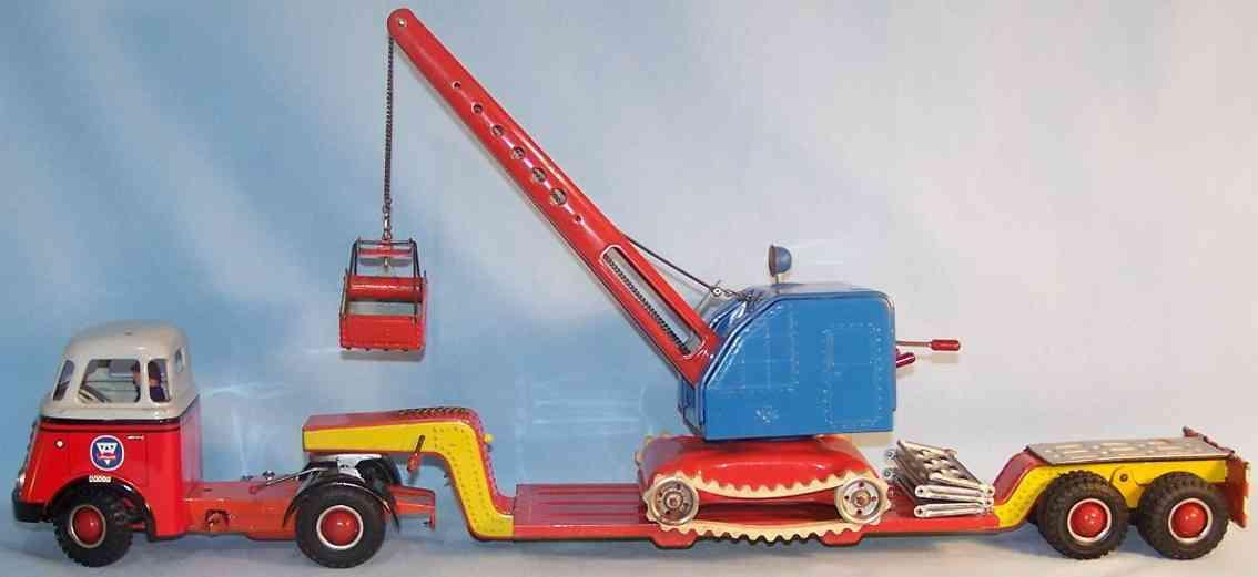 Arnold DAF Lastwagen mit Tieflader und MFZ Raupenbagger