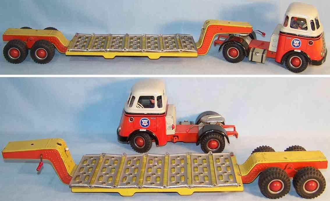 Arnold DAF Lastwagen-Tieflader