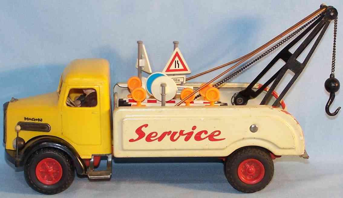 Arnold MAN Service-Abschleppwagen