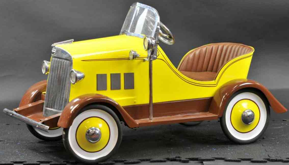 auburn pressed steel toy pedal car pedal car  brown yellow