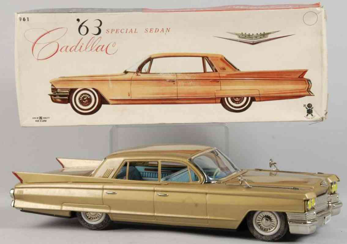 bandai 961 tin toy car cadillac sedan friction drive