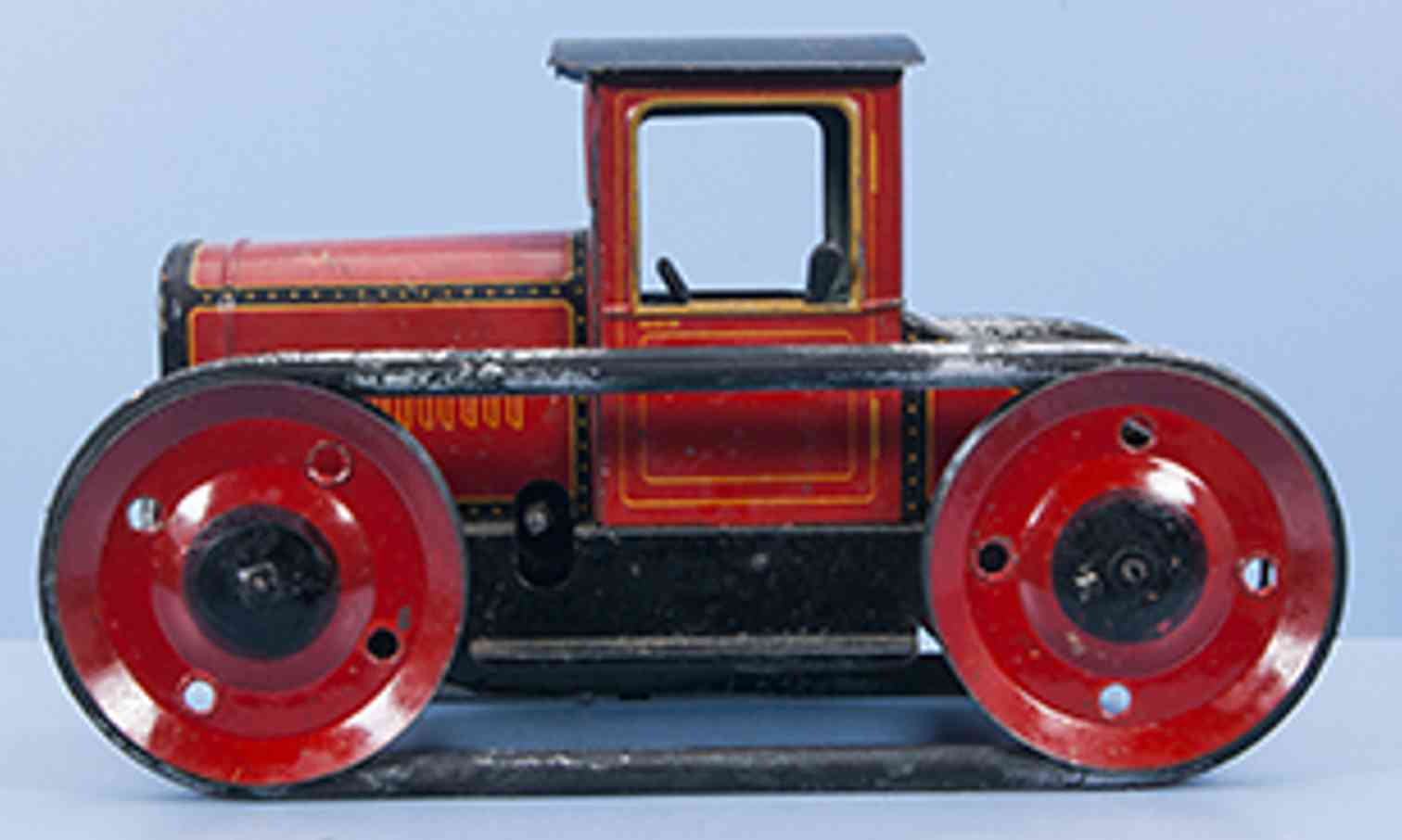 bing 10/4170 tin toy crawler tractor with clockwork tin red