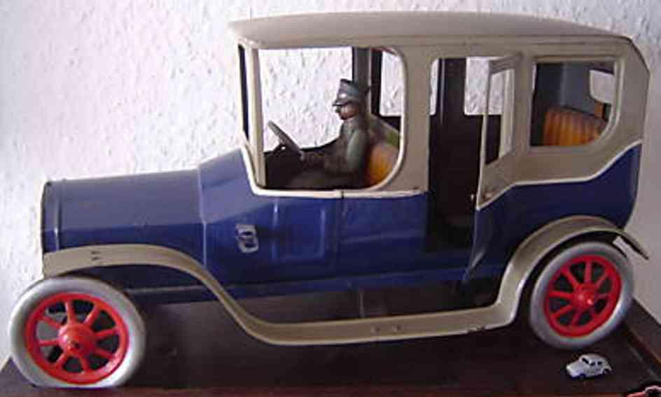 bing lech spielzeug auto blau mit fahrer