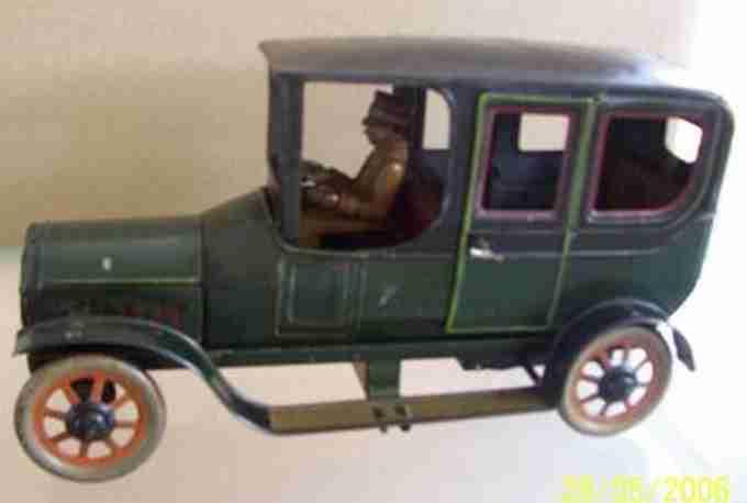 bing 10660/? blech spielzeug auto limousine mit uhrwerk gruen