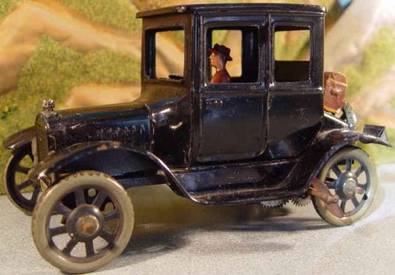 bing tin toy car doctors car with driver clockwork